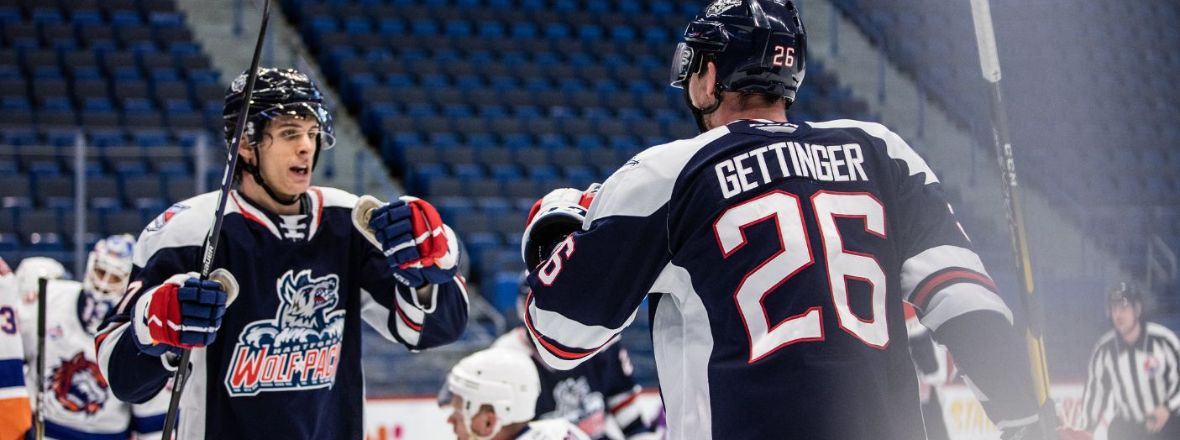 Gettinger Keys Third-period Explosion in Wolf Pack Win